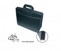 Портфель Optima B4 3 відділення пластик 31653 НЕТ В НАЛИЧИИ